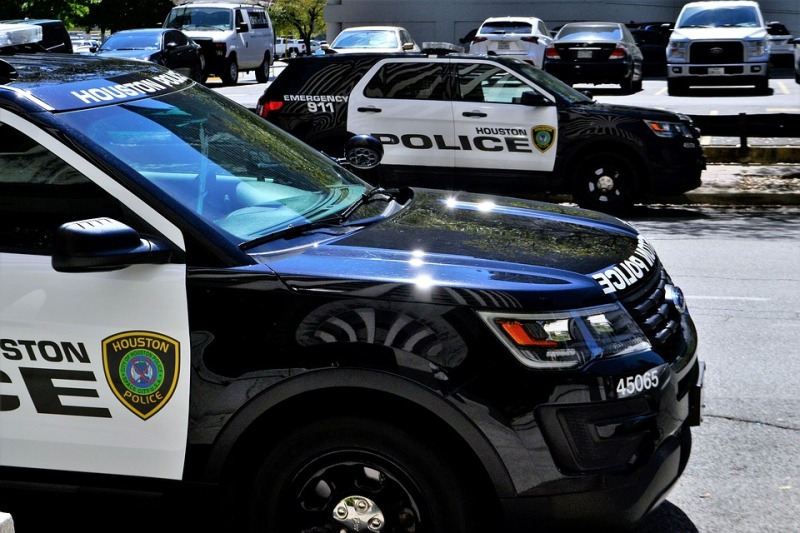 police-car-3274539_960_720
